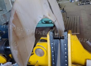 гибка витков шнека толщиной 6мм, диаметром 1000мм,шагом 600 мм из нержавеющей марки стали AISI 304, внутренний диаметр шнековой спирали 219 мм 3