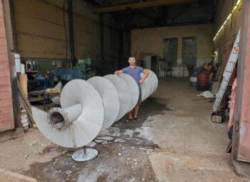шнек жатки из нержавеющей марки стали AISI 304, внутренний диаметр шнековой спирали 219 мм, витки шнека толщиной 6 мм, диаметром 1000 мм 14