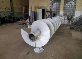 шнек жатки из нержавеющей марки стали AISI 304, внутренний диаметр шнековой спирали 219 мм, витки шнека толщиной 6 мм, диаметром 1000 мм 19